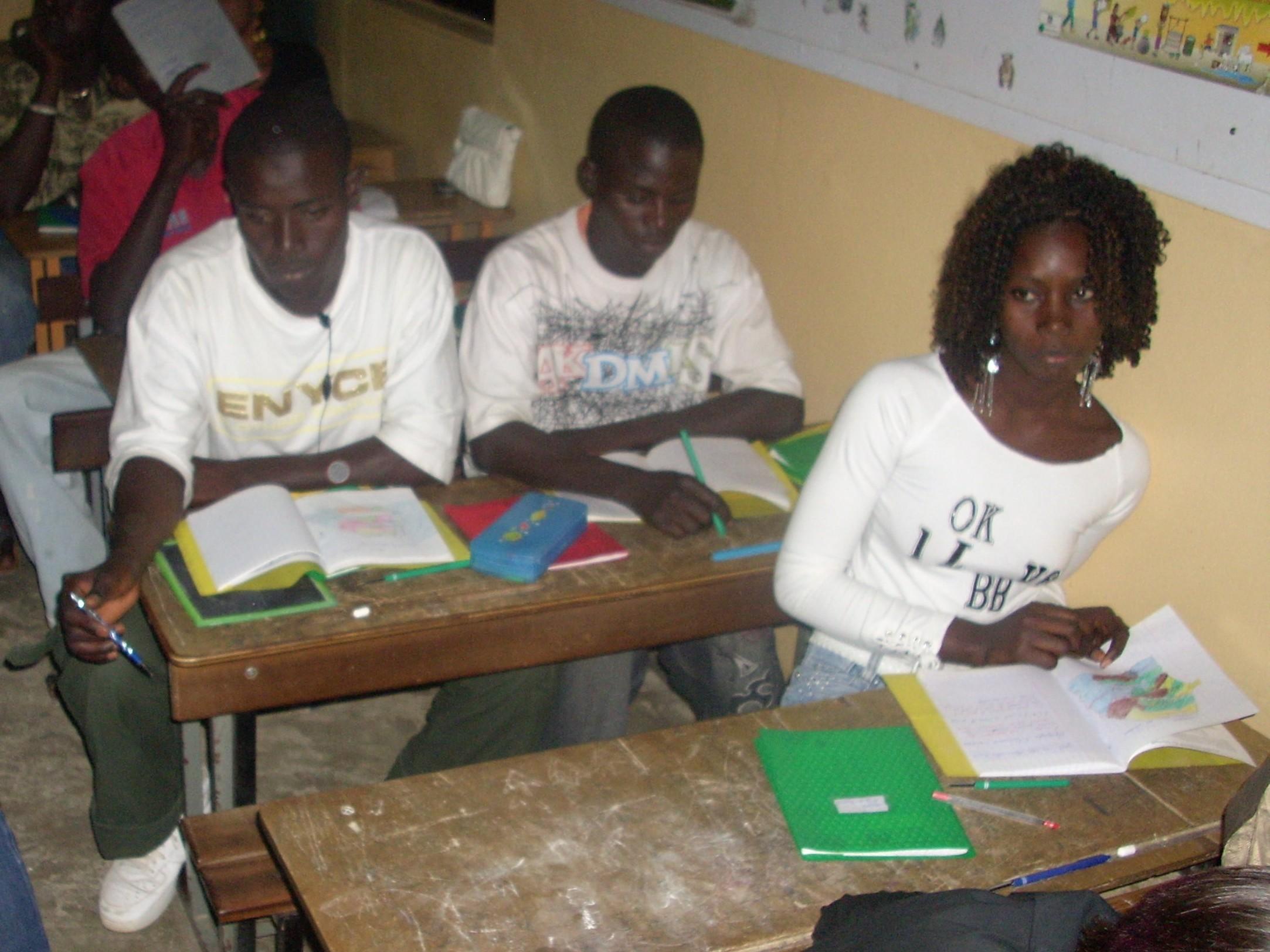 Apprenants du Centre d'Alphabétisation Sœur Marie Luc Vaderloge de Ouakam (Dakar-Sénégal)